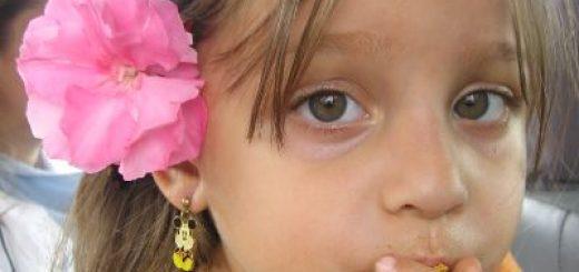 Czy przebijać dziecku uszy?