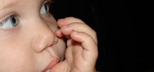 Obgryzanie paznokci