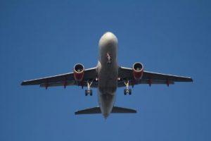 Samolotem z maluszkiem