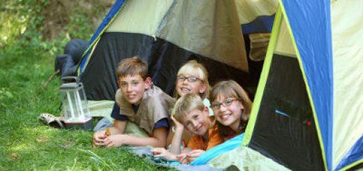 Z dziećmi pod namiot